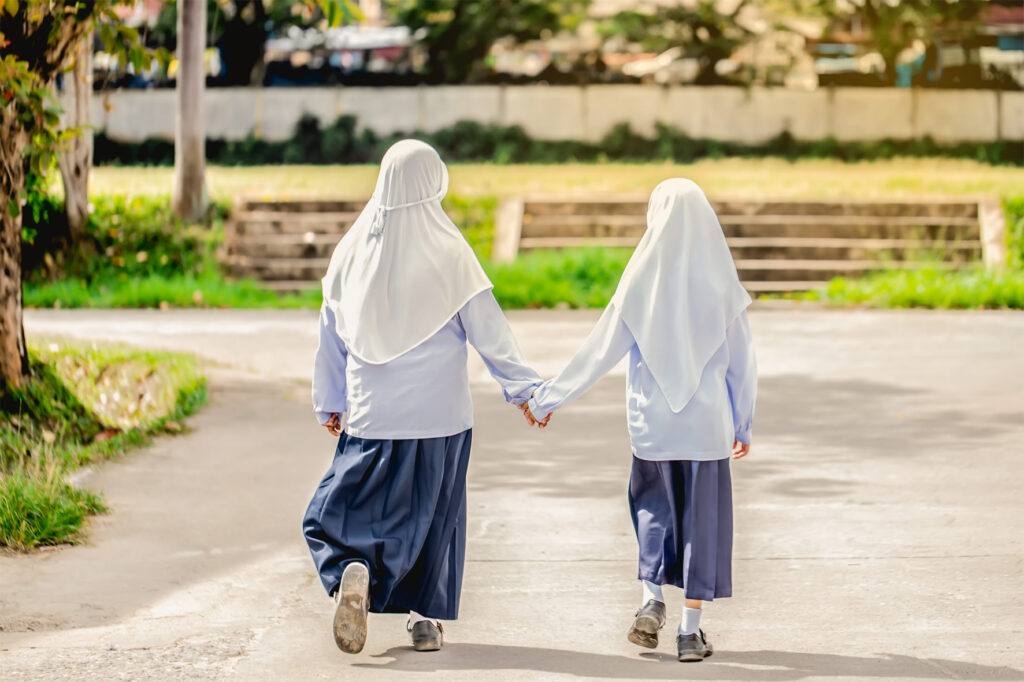 EARS - Muslim school girls